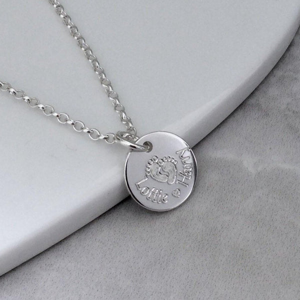 Name necklace engraved in sterling silver, lovely gift for Mum! 12mm