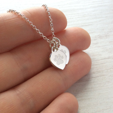 Paw print necklace with pet's name engraved on the back, 10mm