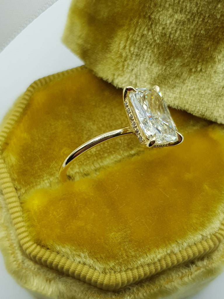 2.20 Carats Radiant Cut Solitaire Hidden Halo Diamond Engagement Ring