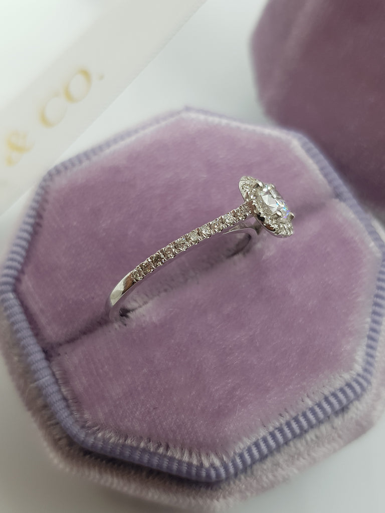 1 Carats Round Brilliant Cut Micropave Side Stones Halo Diamond Engagement Ring