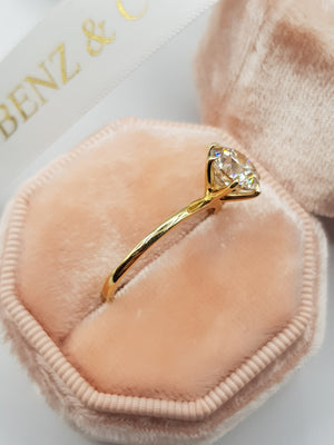 2 Carat Round Brilliant Cut Diamond Engagement Ring in Yellow Gold
