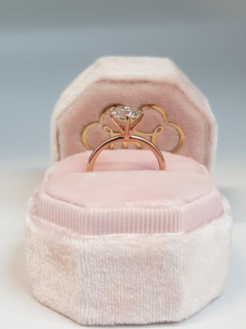 1.50 Carat Round Brilliant Cut Six Prongs Diamond Engagement Ring in Rose Gold