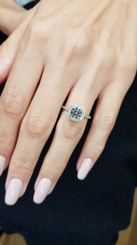 1.52 Carats Round Brilliant Cut Micropaved Halo Side Stones Diamond Engagement Ring