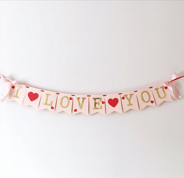 I Love You Banner Valentine's Day Banner Valentines Party Decorations Hugs and Kisses Xoxo Sign Red Hearts Be My Valentine Garland SH002