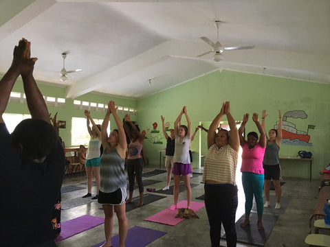 yoga dominican republic madres collective los pinos volunteer trip