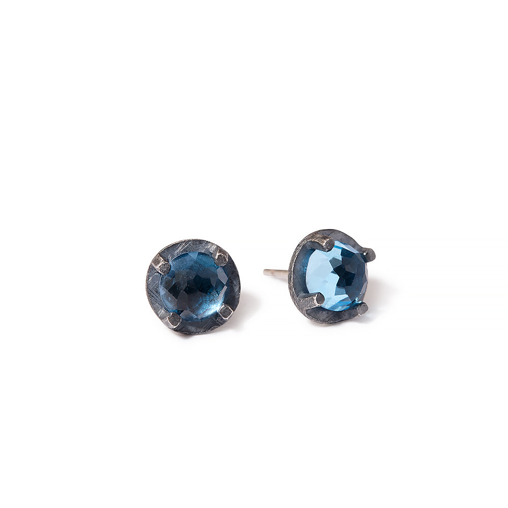 NEW | facetted prong set studs