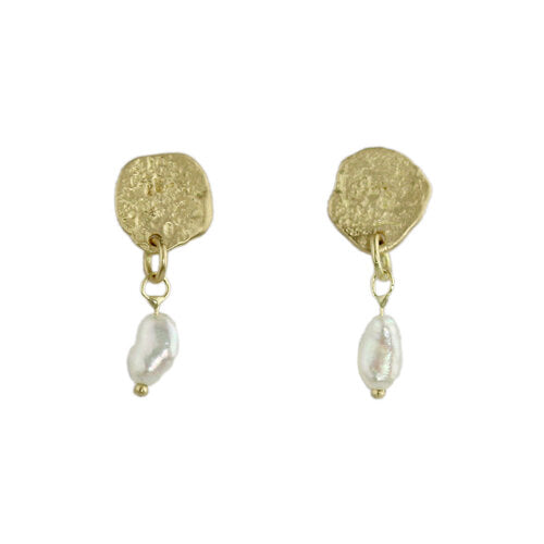 muse earrings with pearl