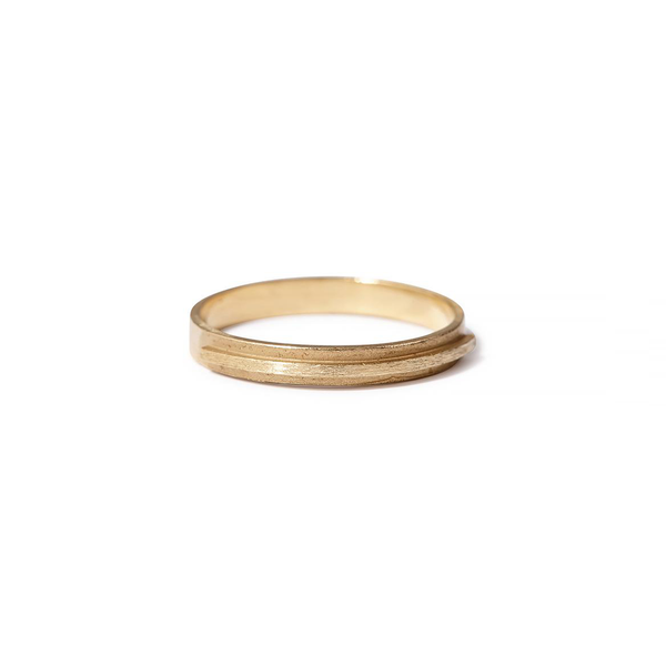 Heather Guidero simple 18k gold band with raised bar
