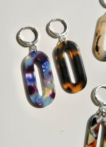 """CLÉ"" oval resin earring"