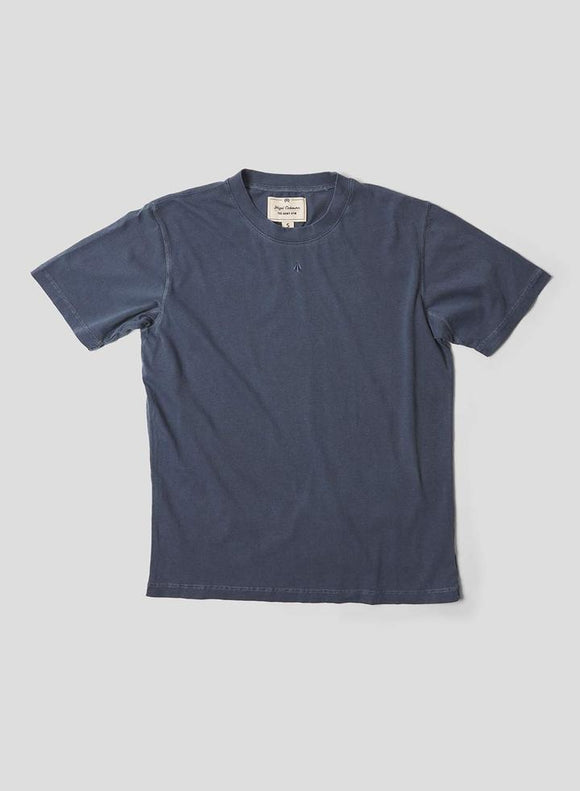 Nigel Cabourn THE ARMY GYM - EMBROIDED ARROW TEE - IN BLACK NAVY