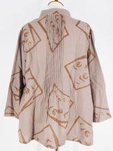 Pintuck Blouse - Moheji Print - Light Brown (B)