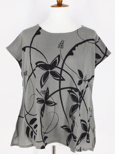 T-Top - Circle Flower Print - Grey
