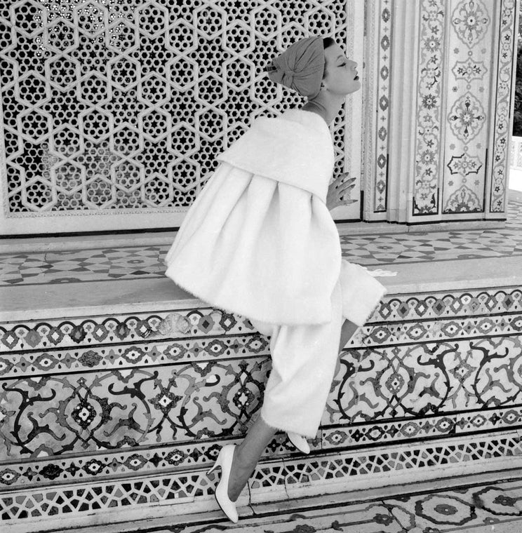 Norman Parkinson India British Vogue 1957 Barbara Mullen at the Red Fort, Delhi, Vogue. 1956