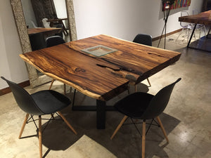 Live Edge Table and Furniture, durable solid wood and traditional handcrafting