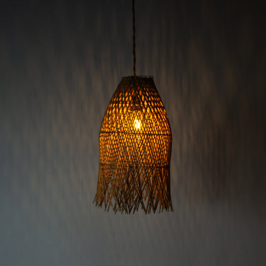 Handwoven Rattan Vertical Pendant Light | Simple and Natural Lamp