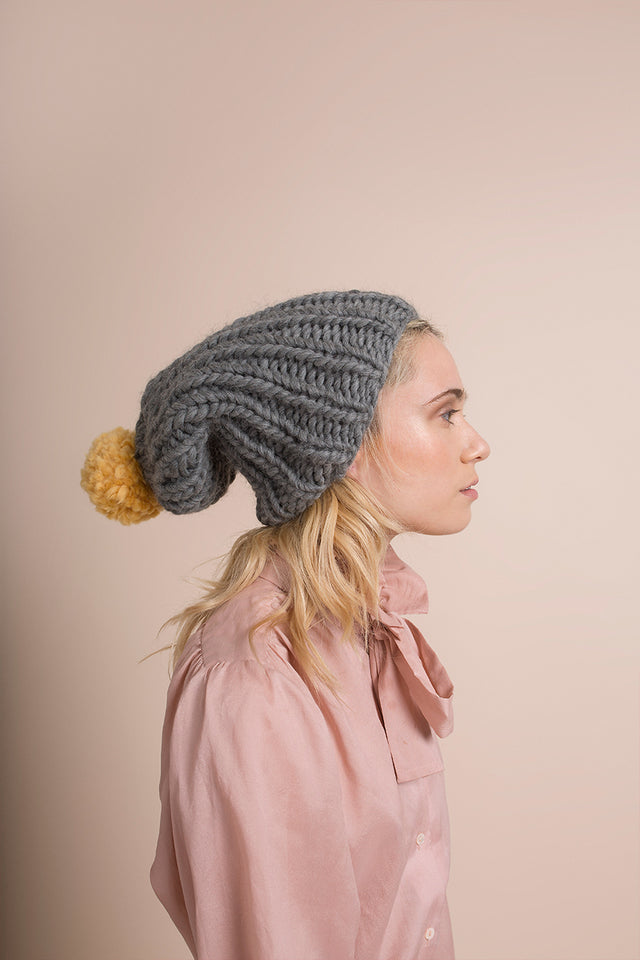 DARK GREY BEANIE POMPOM - This Is Mool