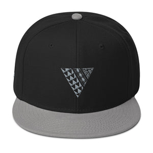 Indigenous tribe front of hat black/grey
