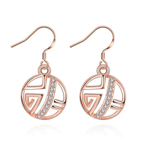 A beautiful pattern set in rose gold and detailed with crystals make for an elegant drop earring.