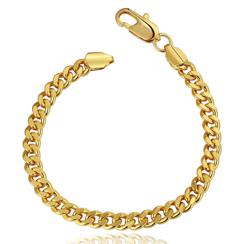 A simplistic and classic chainlink bracelet plated in gold. An everyday staple, unisex.  ~8""