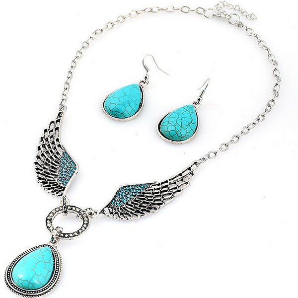 A classic silver and turquoise combination make this earring and necklace set a lovely addition.