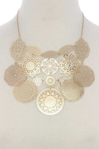 Filigree geometric shape linked short necklace