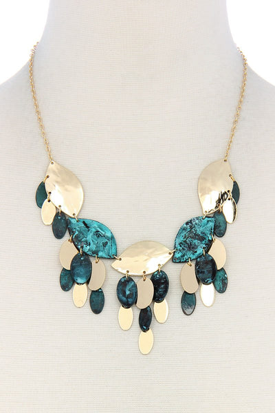 Multi leaf pattern chunky necklace