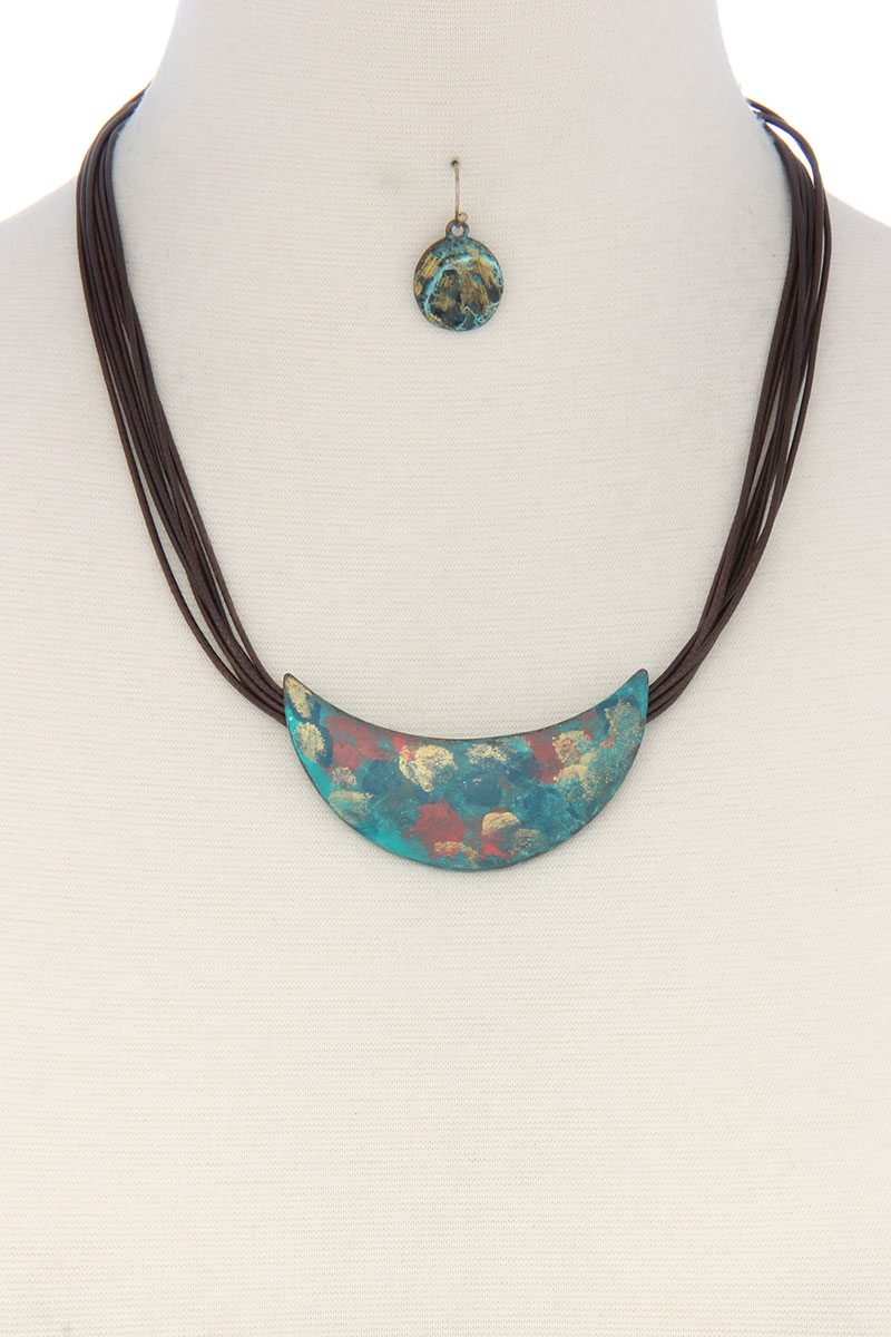 Patina curve bar pu leather necklace