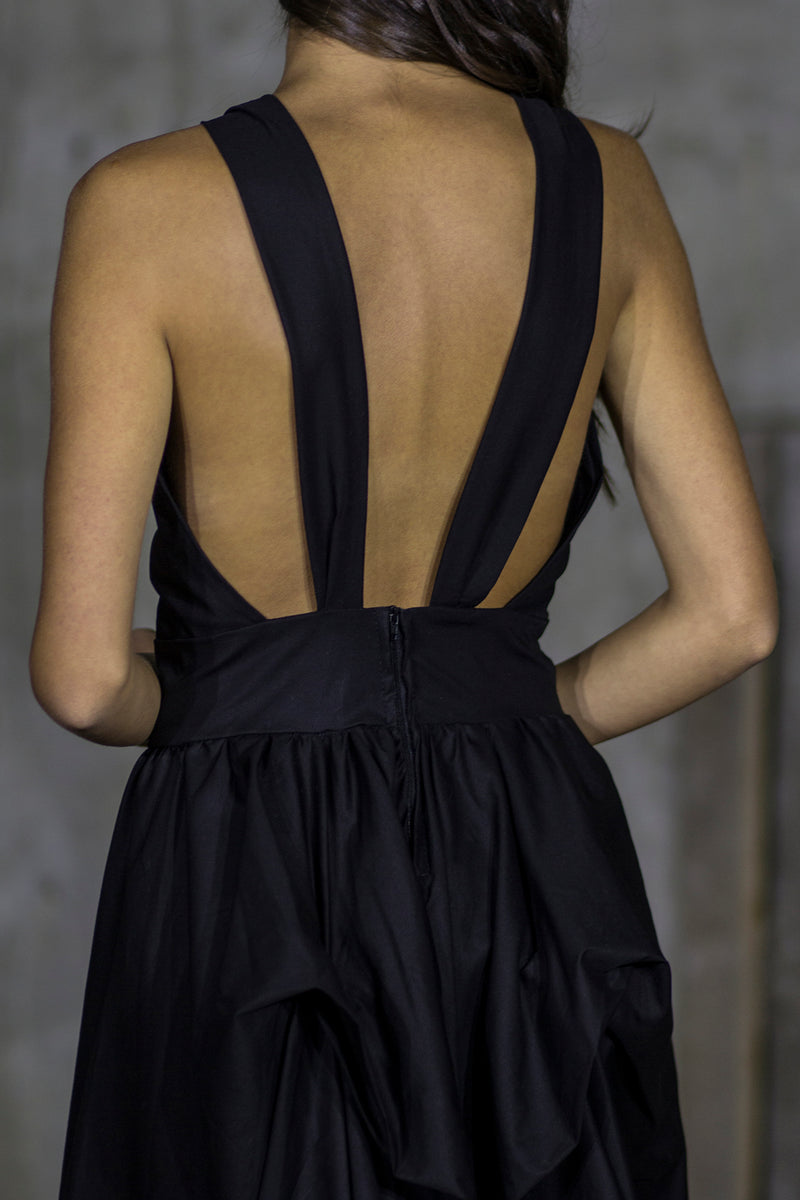 Black backless burgeon dress