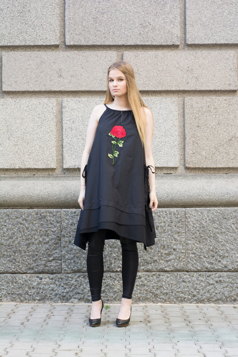 Black layered loose rose dress