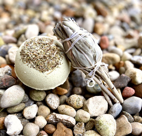 Sweet Grass and Sage Bath Bomb