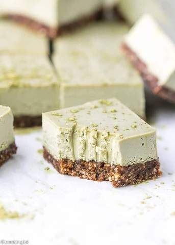 Raw Matcha Cheesecake Bars