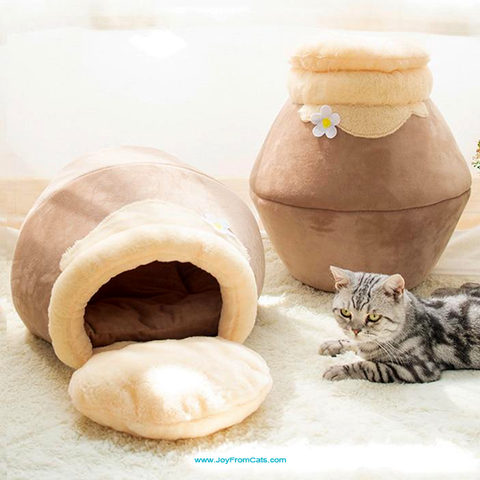 Comfy Cat Foldable Cave/Igloo Beds - www.JoyFromCats.com