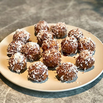 Lamington-inspired bliss balls - Australia Day