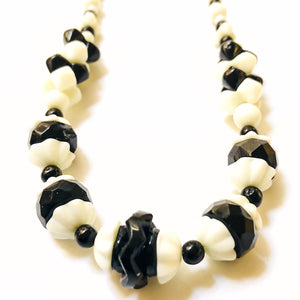 Art Deco Black and White Glass Necklace