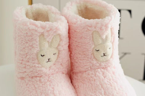 Aeruiy Cozy Plush Bunny Women Home Indoor Short Boots