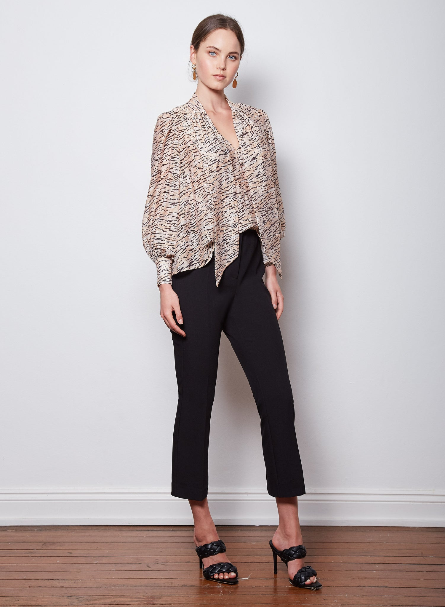 Wish Horizon Tie Blouse