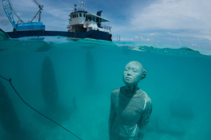 "World's First ""Semi-Submerged Art Gallery"" in the Maldives Made With Jesmonite"