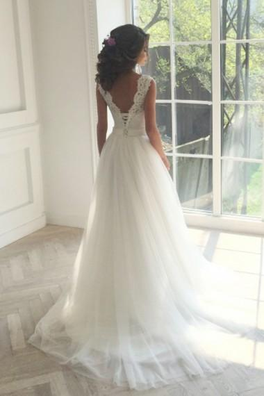 Long Wedding Dress, Tulle Wedding Dress, A-Line Bridal Dress, V-Back Wedding Dress, Elegant Wedding Dress, Sleeveless Wedding Dress, Lace Wedding Dress, LB0439