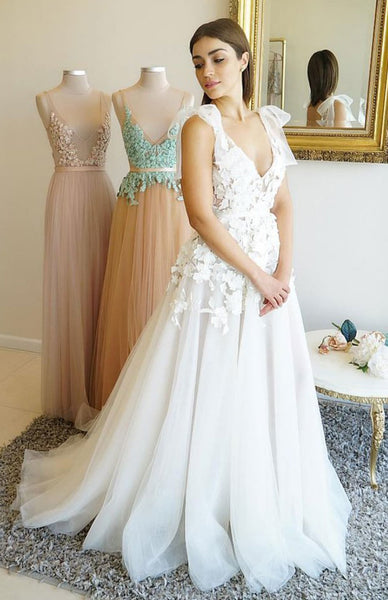 Elegant A-Line Tulle V-neck Sleeveless Applique Lace Backless Wedding Dresses, FC1843