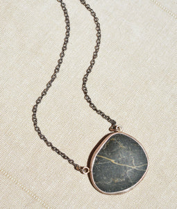 Chela Gurnee - Cali Beach Pebble Necklace