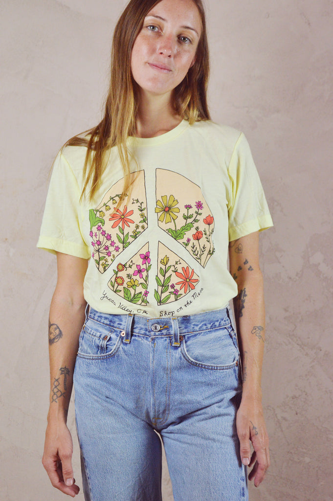 Peace Flower - yellow tee