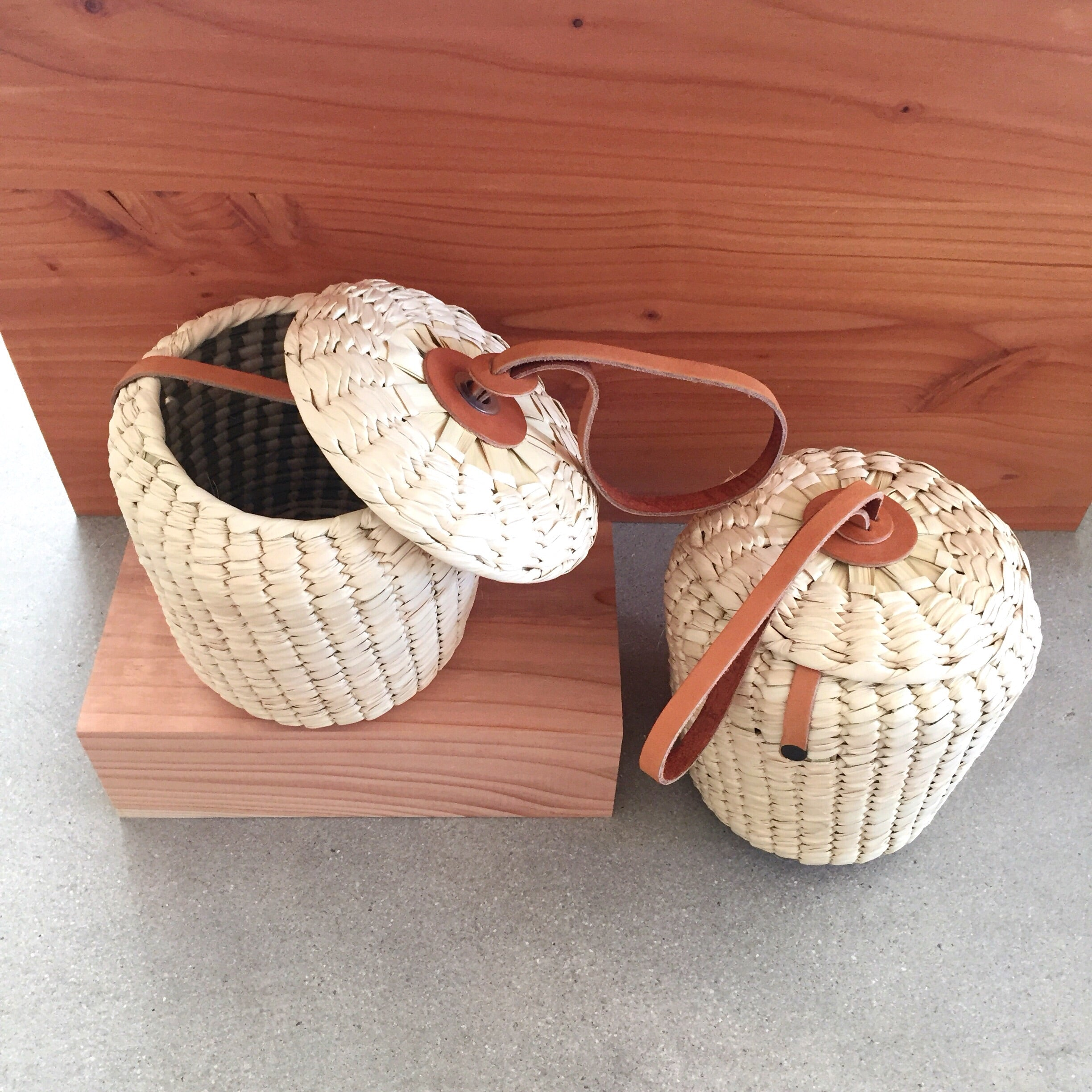 Palm Bucket Bag