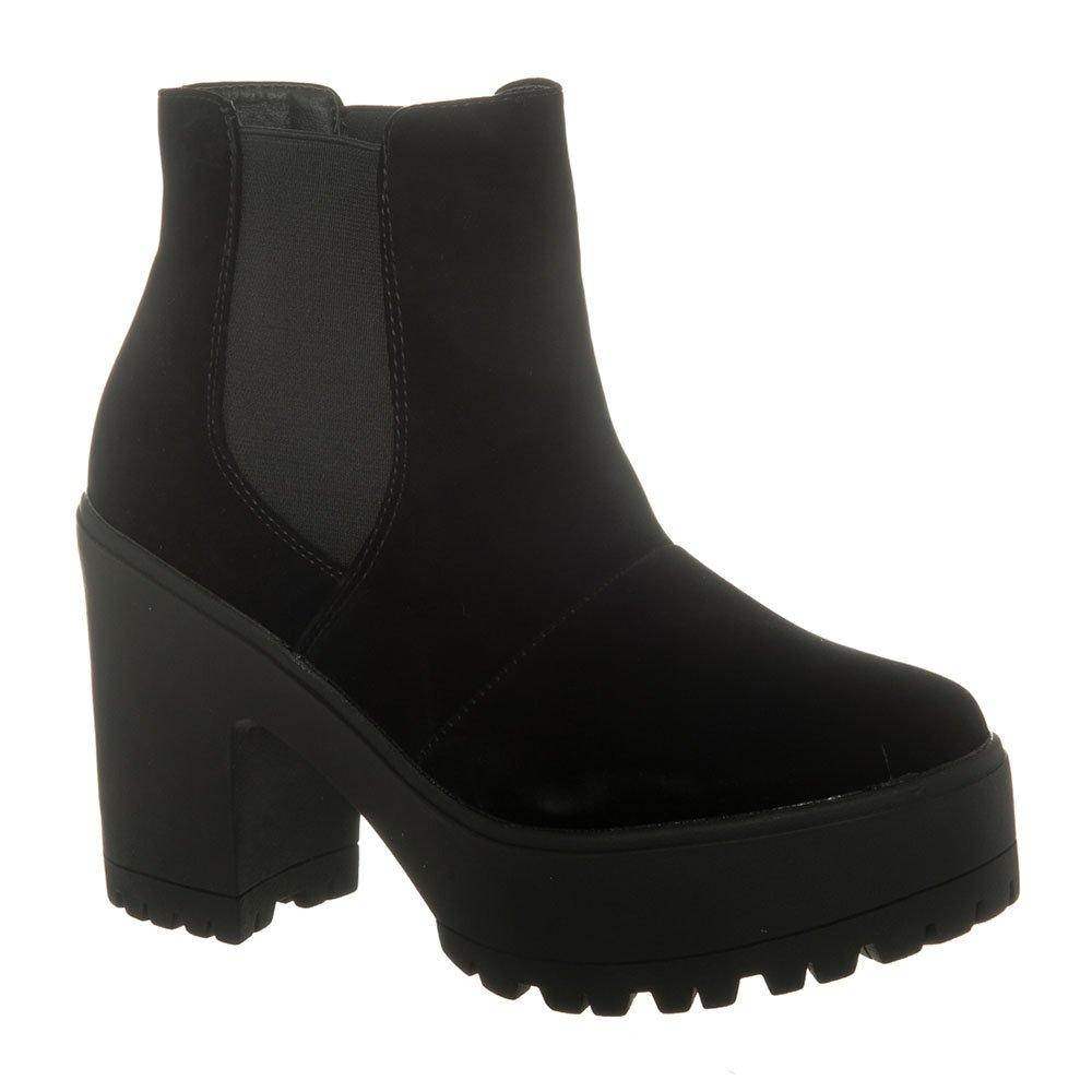 Medioum Block Heel Cunky Cleated Sole Chelsea Boot
