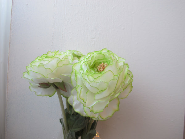 Artificial Flowers - Ranunculus white (A-31841 052)