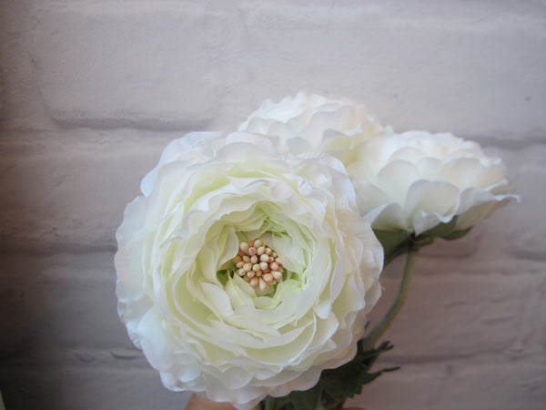 Artificial Flowers - Ranunculus off white (A-31841 011)