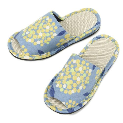 Dotted Flower Pattern Slippers - Sky blue