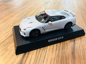 KYOSHO 1/64 NISSAN GT-R - Super Silver