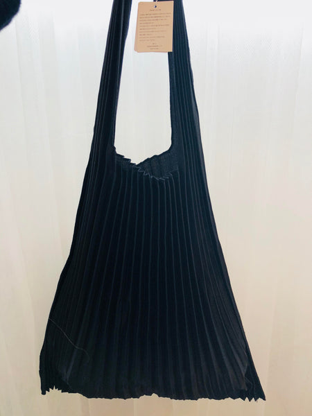 Japanese Vertical Pleats Bag - Black