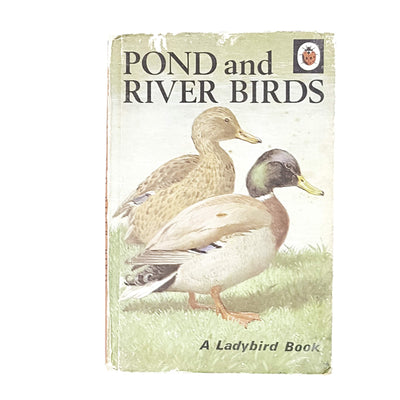 ladybird-animals-pond-and-river-birds-british-country-house-library