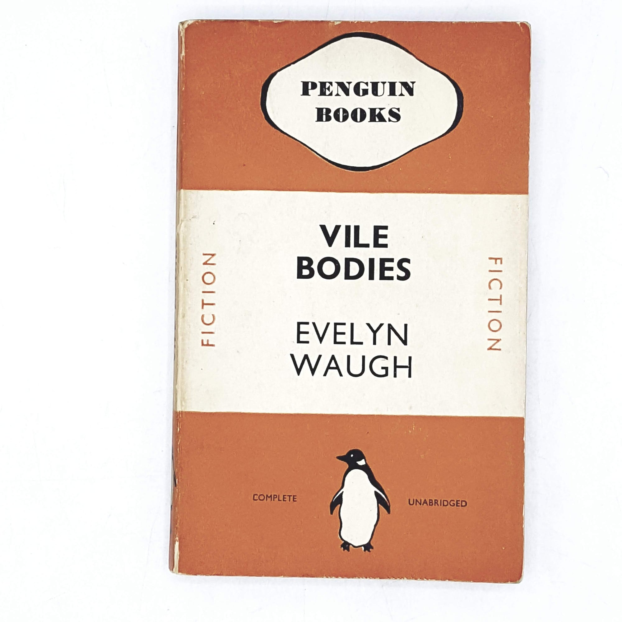 vintage-penguin-vile-bodies-by-evelyn-waugh-1938-orange-classic-literature-country-house-library
